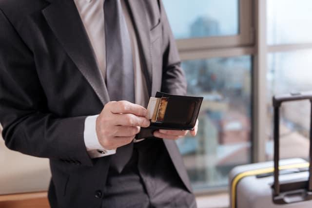 ビジネスマンの財布