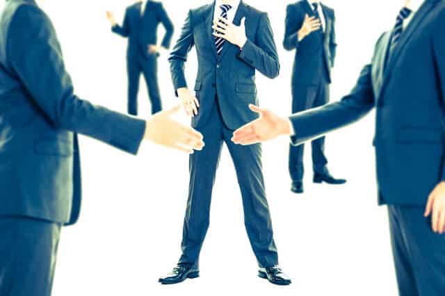 法人化するなら合同会社の方が安いがそれでも株式会社を選択すべき理由