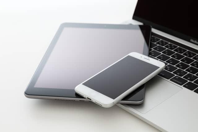 パソコンとモバイル端末